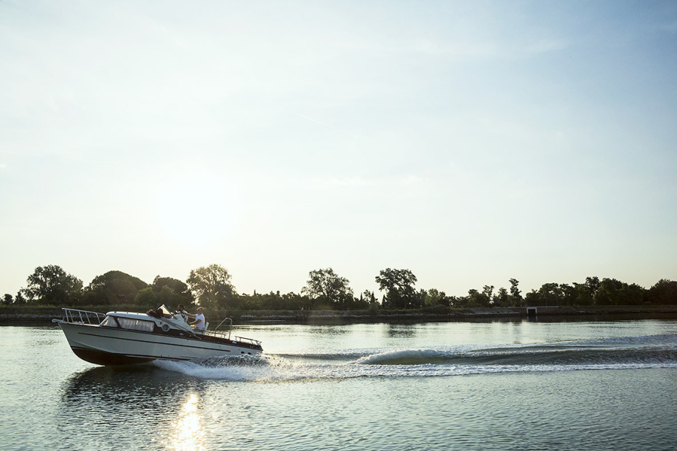 boat_A0A5297_hi