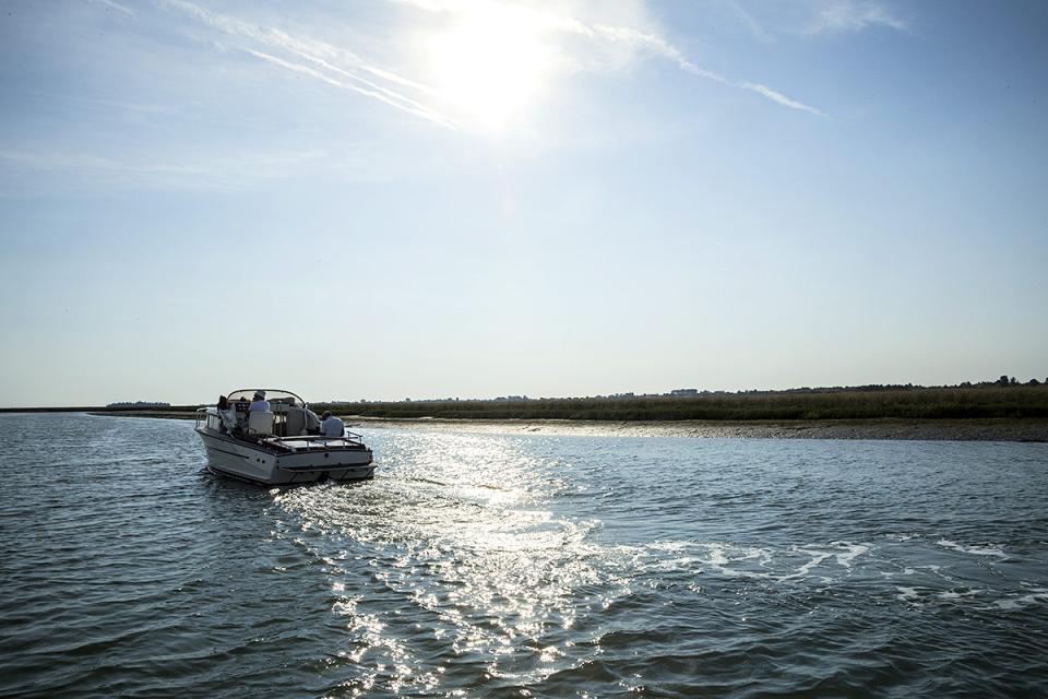boat_A0A5457_hi